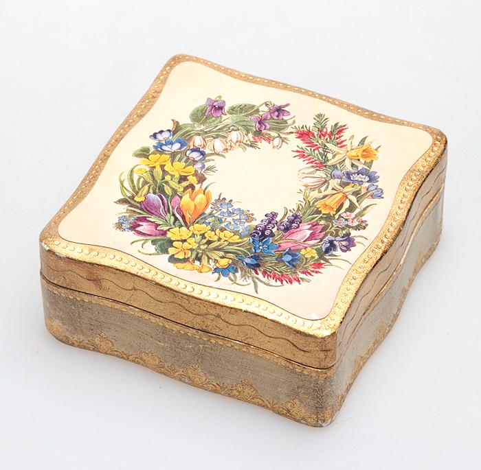 Шкатулка из дерева с росписью